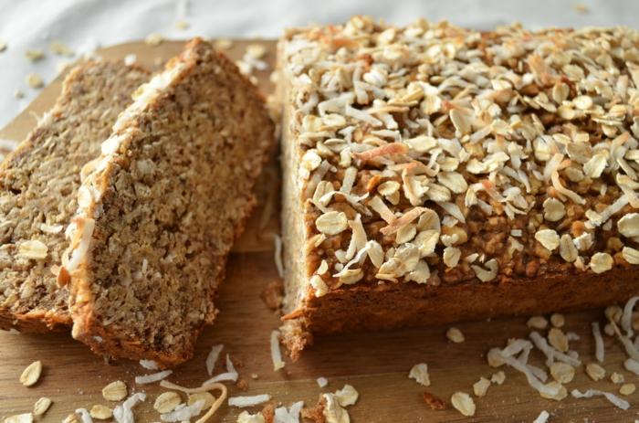 Vitamine für die Haare gesunde ernährung vollkornbrot mit quinoa