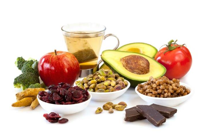 antioxidationsmittel grüner tee dunkle schokolade trockene früchte nüsse