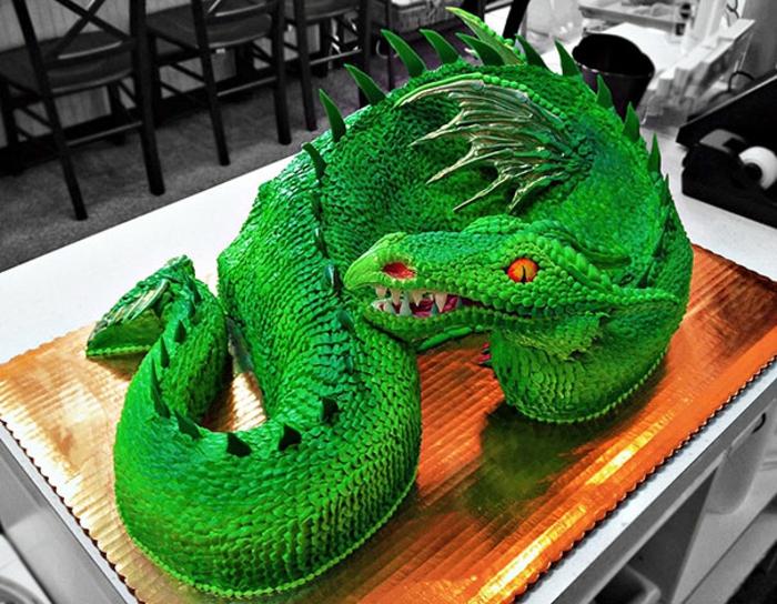 außergewöhnliche torten grüner drache