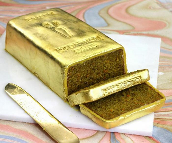 außergewöhnliche torten kuchen gold glasur