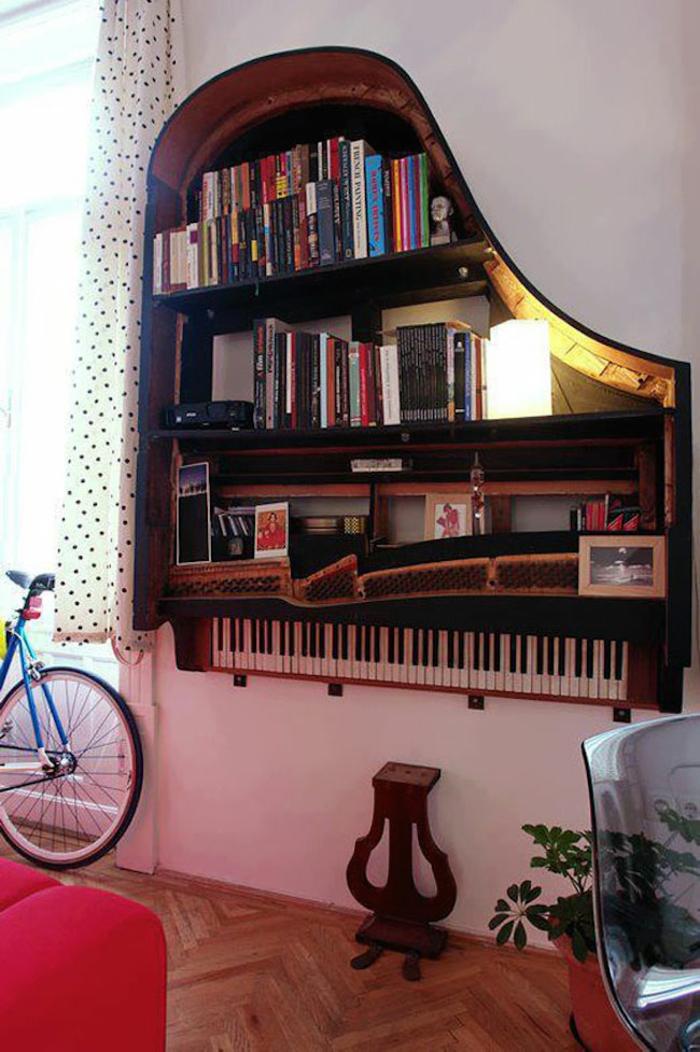 bücherregal kreativ altes klavier wandregal