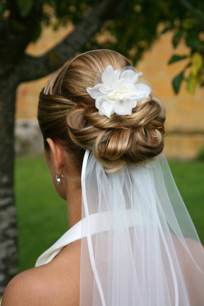 the gallery for wedding hairstyles bun with veil. Black Bedroom Furniture Sets. Home Design Ideas