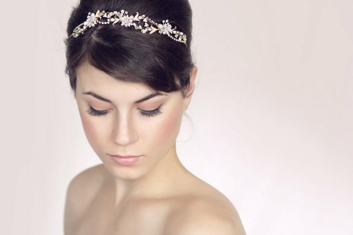 Braut haarband frisur  30 Brauthaarschmuck Ideen für eine charmante Hochzeitsfrisur