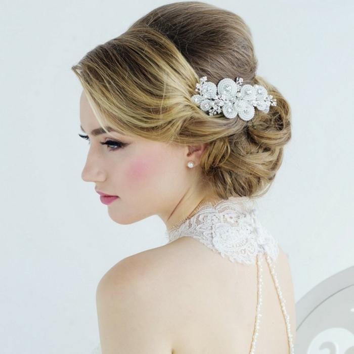 brautfrisuren trends blond schöne haaraccessoires