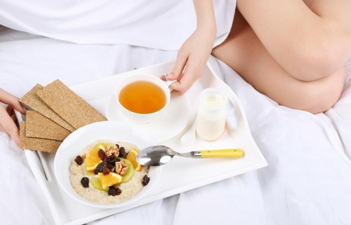 detox kur gesundes frühstück kräuter tee