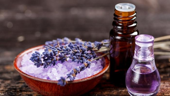 ätherische öle oregano bio kräuter lavendel badesalz