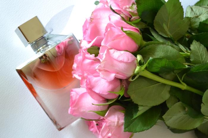 duft-und-schönheit-rosen-parfüm