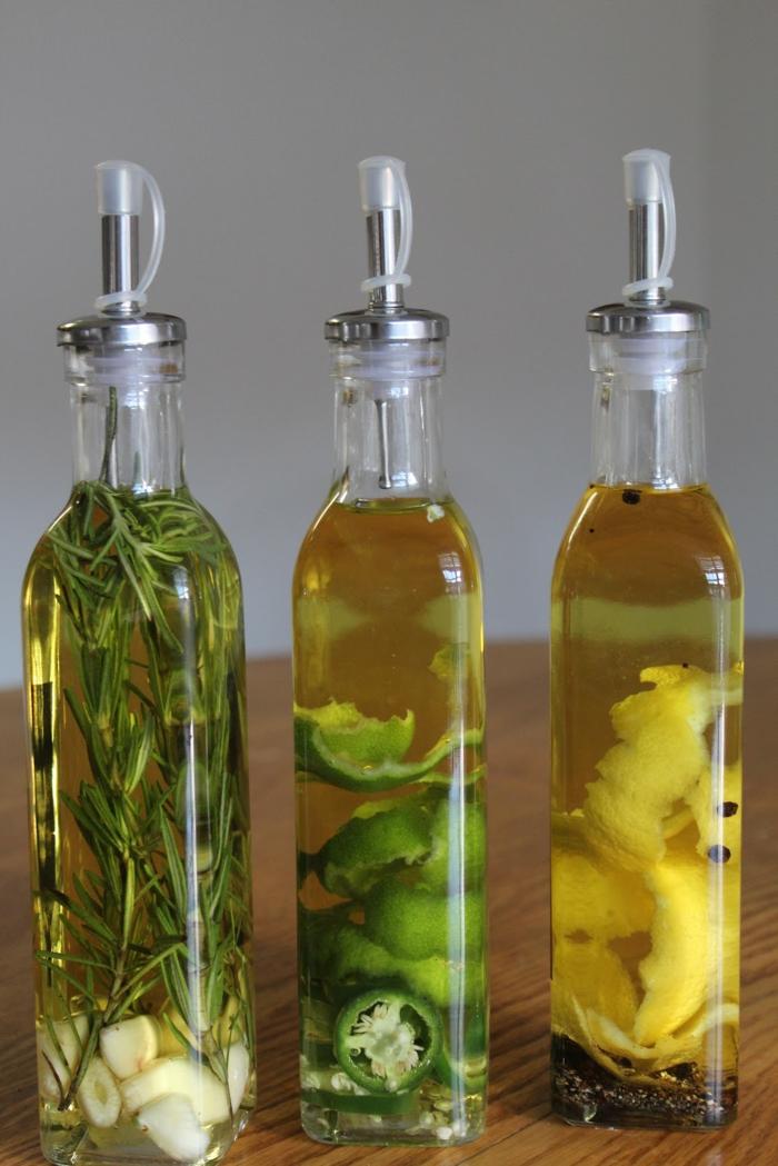 einfache gerichte kochen olivenöl mit knoblauch und gewürzen