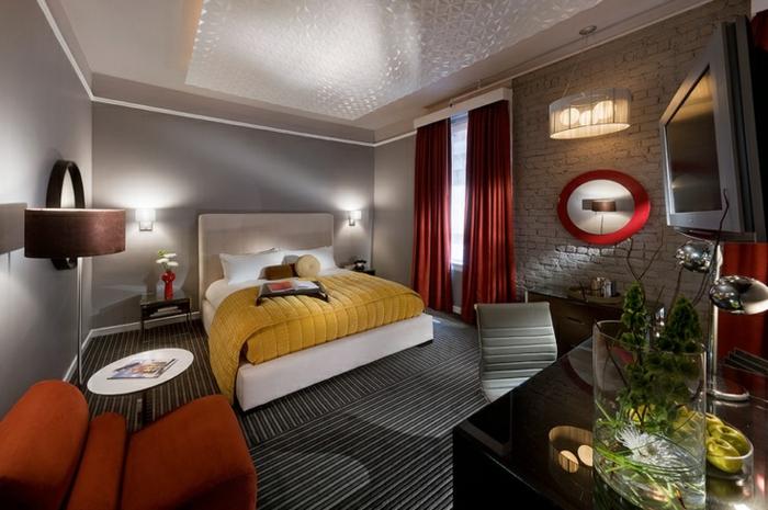 einrichtungsideen schlafzimmer coole deckengestaltung lange rote gardinen