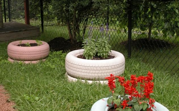 Alte autoreifen ideen alte autoreifen deko raum haus mit for Gartendeko autoreifen