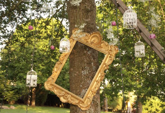 gartendeko vintage hochzeit ideen metallene käfige bilderrahmen gold