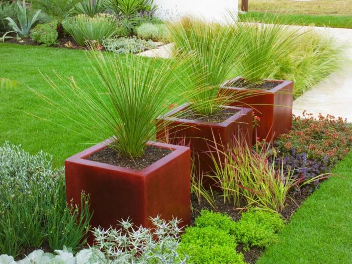 Pflanzgefäße für Außenbereich, die dem Exterieur Stil verleihen