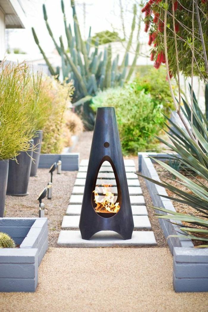 gartengestaltung ideen moderne feuerstelle elegante pflanzenbehälter