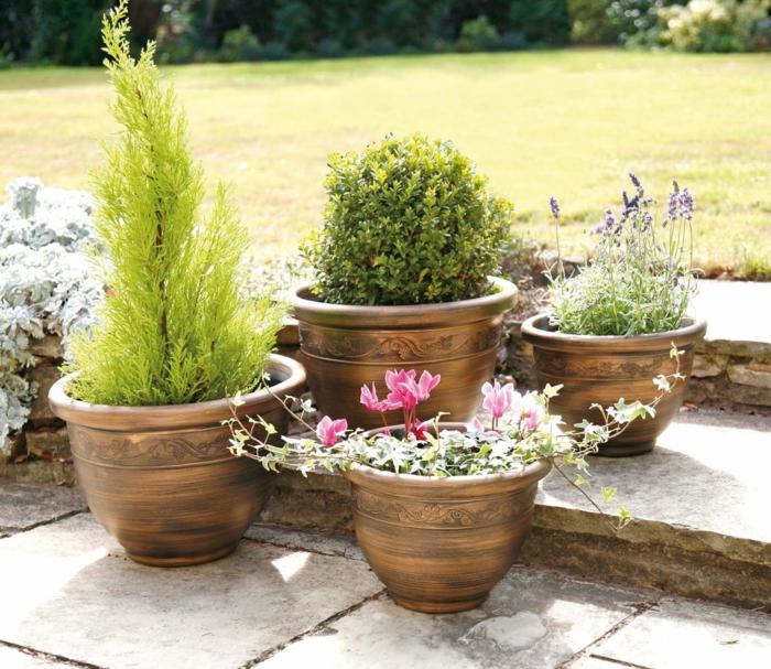 gartengestaltung ideen schöne pflanzenbehälter schönes exterieur
