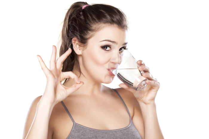 gesund leben gesunder körper wasser trinken