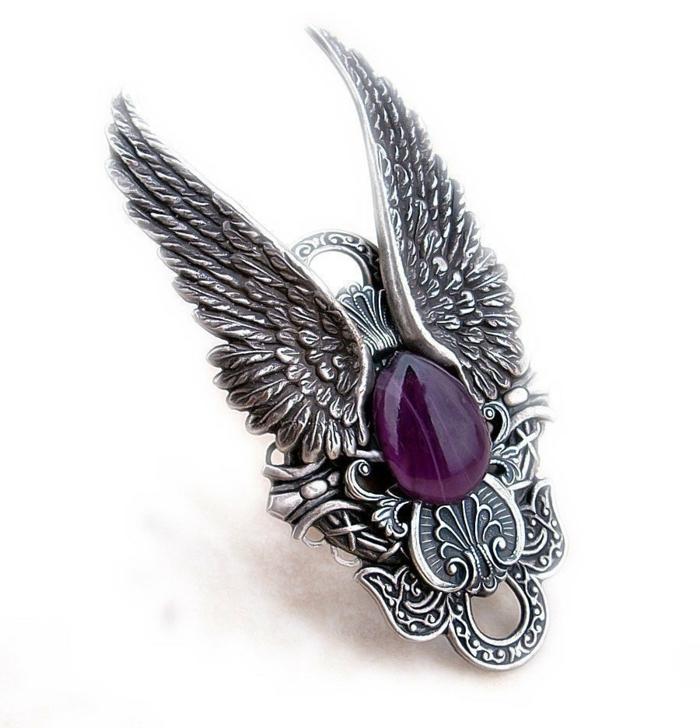 gothic schmuck silber ring flügel lila stein