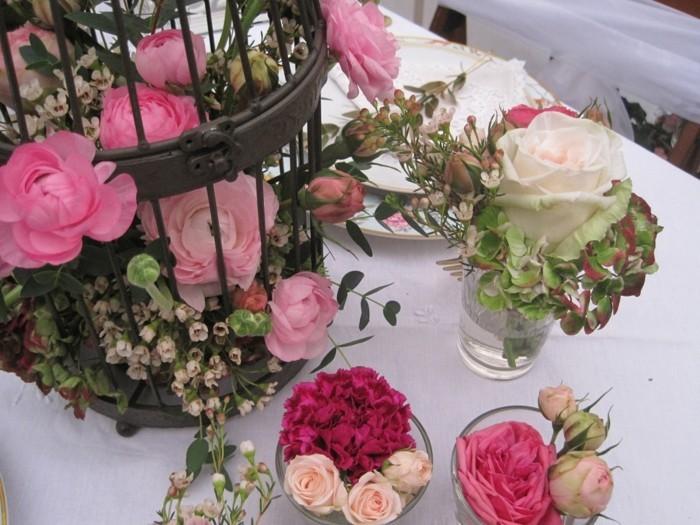 hochzeitsdeko vintagestil tischdekoration käfig rosen nelken