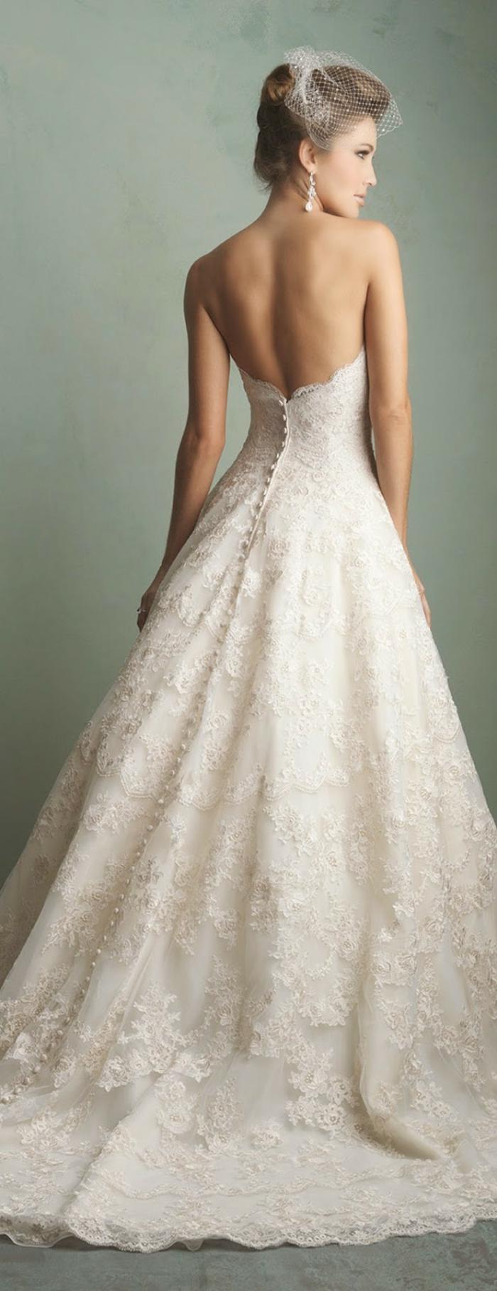 Ruckenfreie Hochzeitskleider Liegen Voll Im Trend