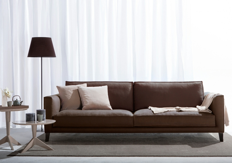 italienische sofas berzeugen mit stil und qualit t. Black Bedroom Furniture Sets. Home Design Ideas