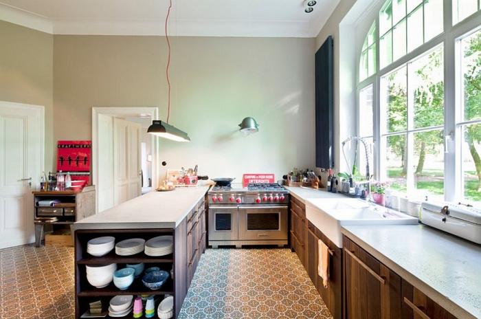 küchendesign fenster geräumig schlichte wandgestaltung