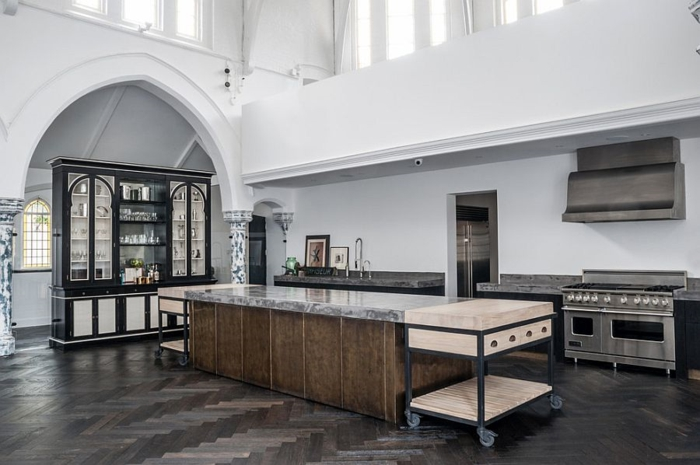 küchendesign industriell weiße wandfarbe