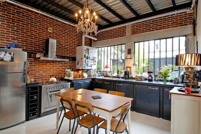 kücheneinrichtung industriell kronleuchter dunkelgraue küchenschränke