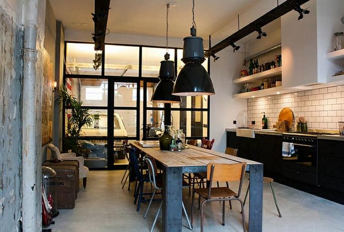 kücheneinrichtung pendelleuchten rustikaler esstisch