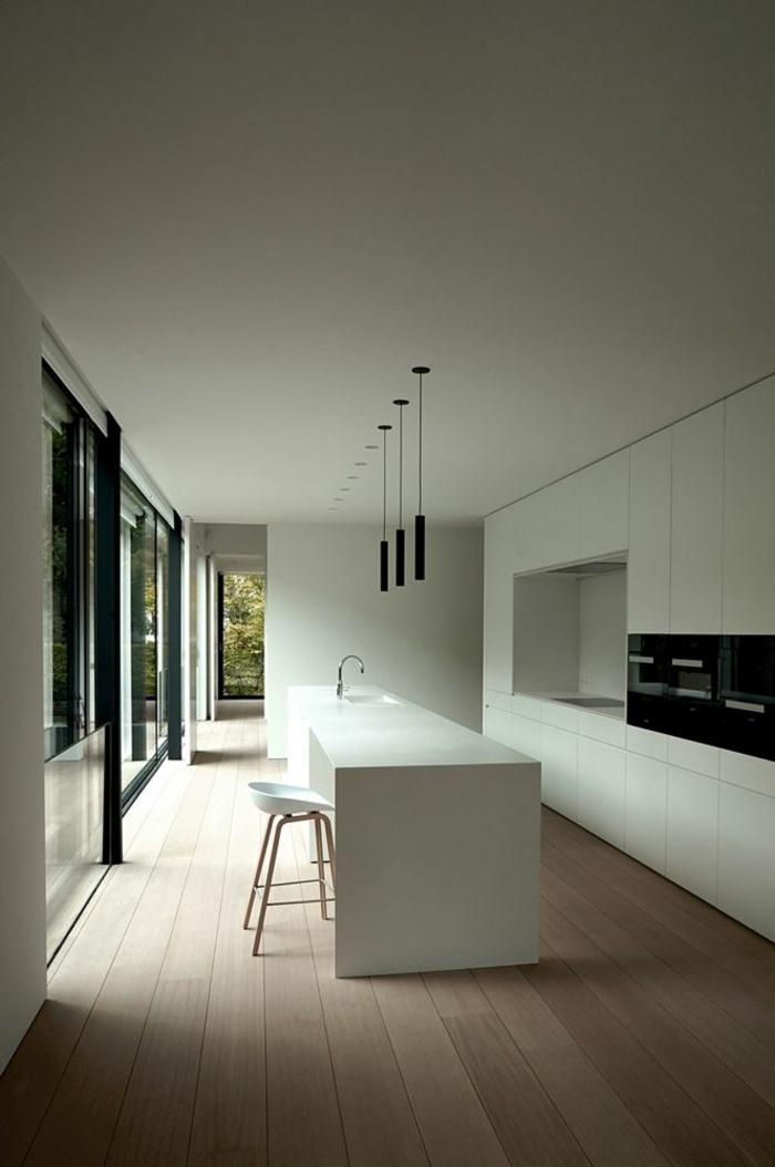 küchengestaltung weiße kücheninsel pendelleuchten