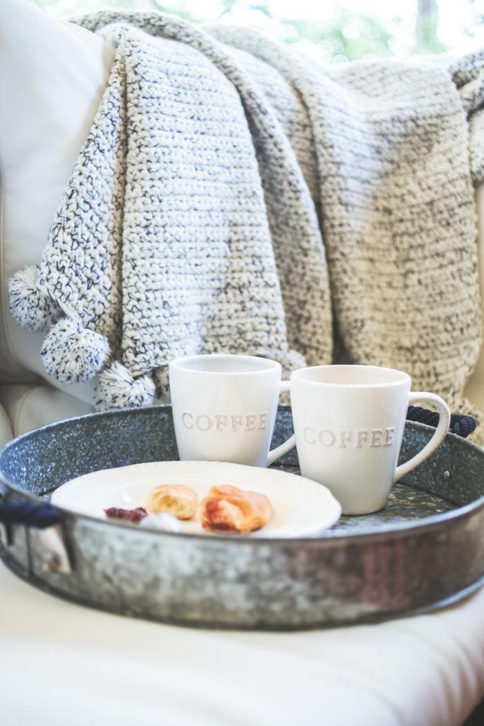kaffee trinken morgens gewohnheit romantisch frühstück