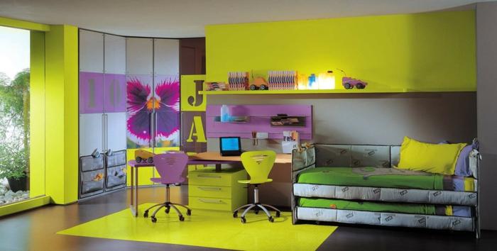 kinderzimmer gestalten möbel eckkleiderschrank grüner teppich