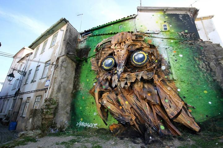 kunst aus müll streetart künstler Bordalo Segundo eule fertig