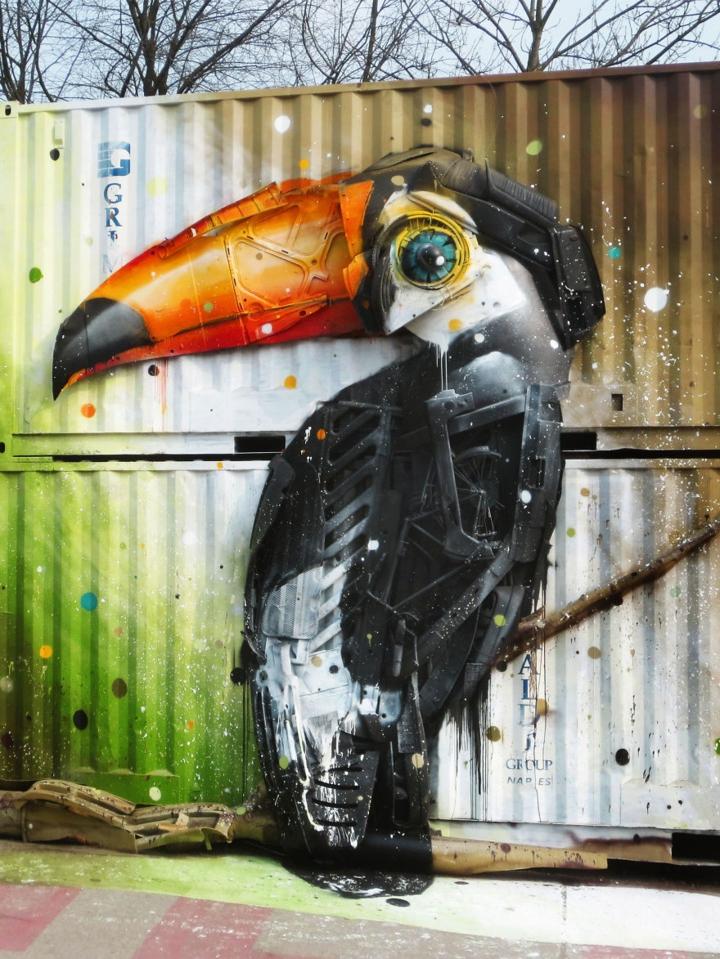 kunst aus müll streetart künstler Bordalo Segundo vogel