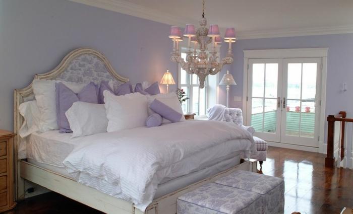 lavendel farbe farbtrend wände schlafzimmer dekokissen