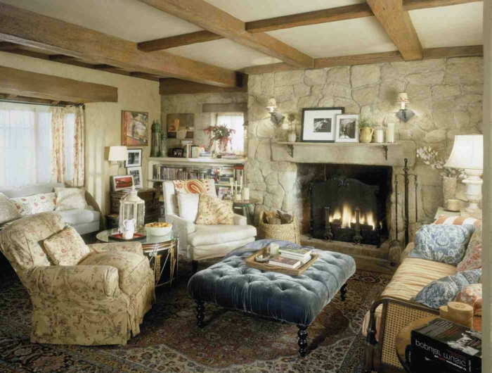 möbel landhausstil kamin wohnzimmer florale elemente
