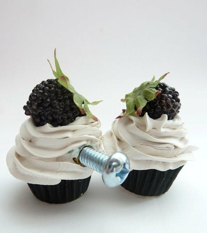 möbelknauf kunststoff cupcakes brombeere sahne