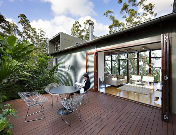 moderne terrassengestaltung moderne außenmöbel holzboden