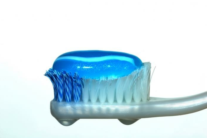 mundhygiene zahnbürste zahnpste richtige zahnplege