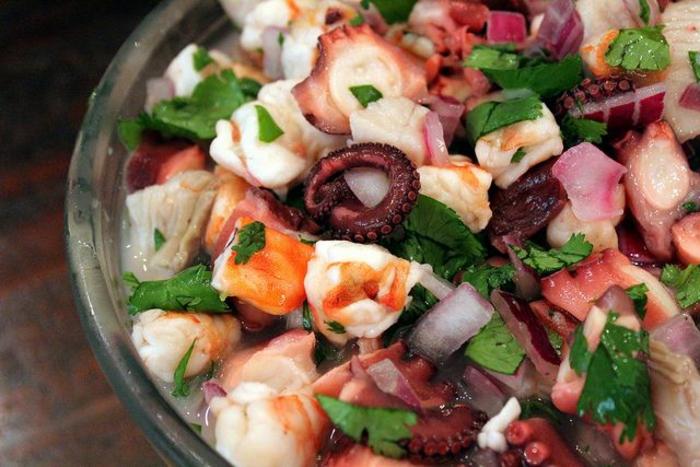 M chten sie einen knusprigen oktopus kochen testen sie unser rezept - Tintenfisch kochen ...