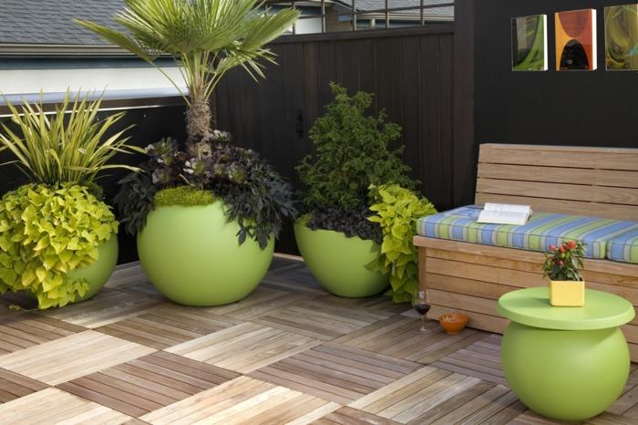 pflanzgefäße außenbereich grün frisch holzfliesen