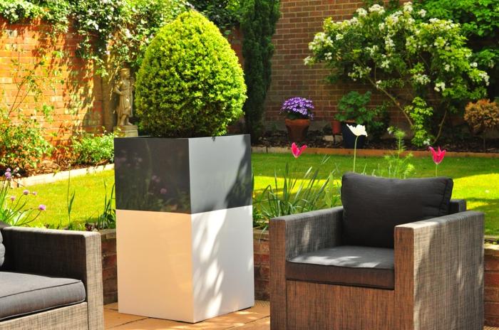 pflanzgefäße außenbereich stilvolles design außenmöbel