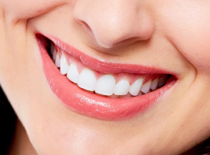 richtige zahnpflege schönes lächeln