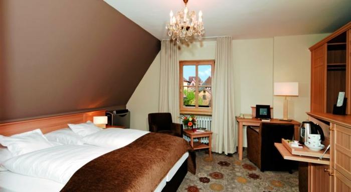 romantik hotels dachgeschoß schlafzimmer