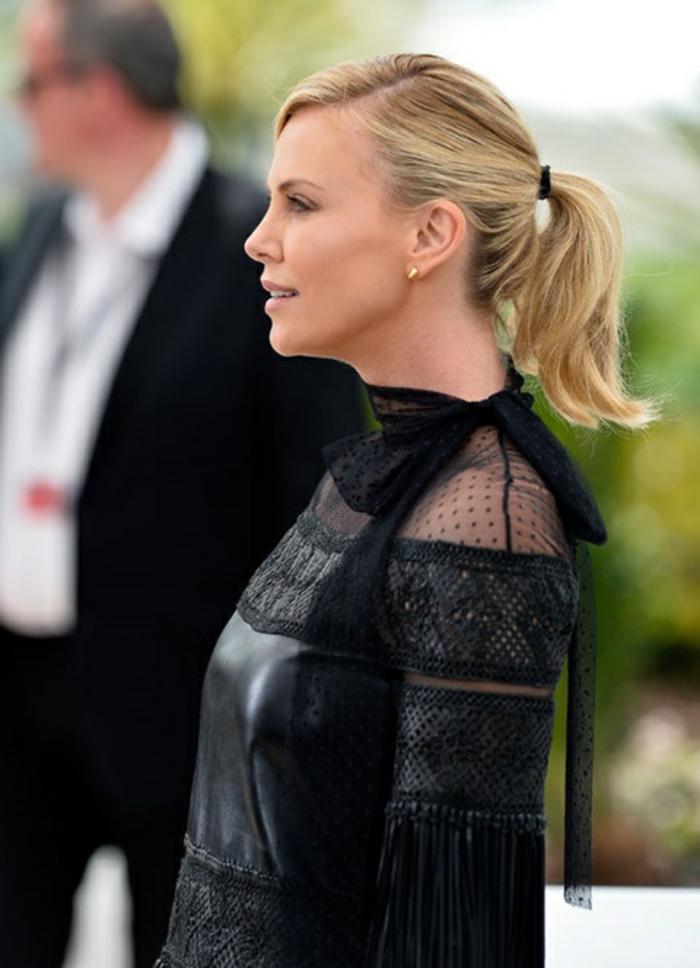 romantische haarschnitte berühmtheiten Charlize Theron frisur