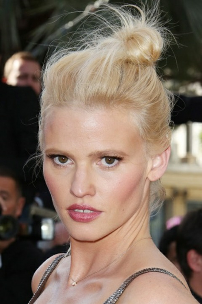 romantische haarschnitte berühmtheiten Lara Stone