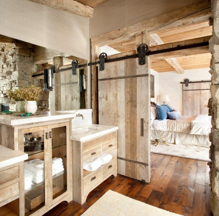 Schiebetür holz rustikal  Reizende rustikale Möbel für mehr Wohnlichkeit und südländisches Flair