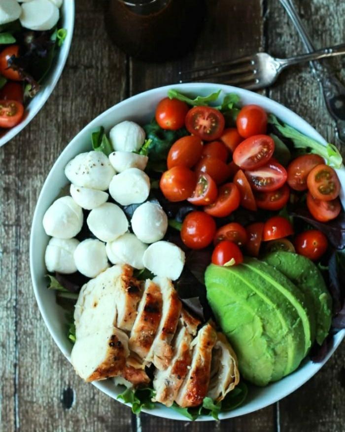 salate zum abnehmen salatrezepte avocado hähnchenfleisch