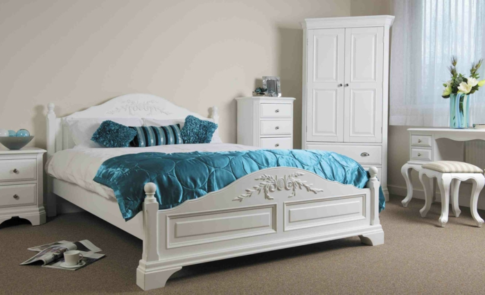 schlafzimmermöbel weißes set schicke bettwäsche