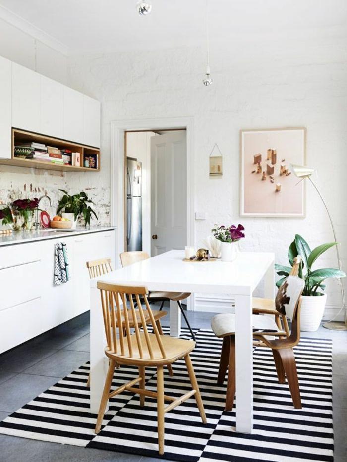 skandinavisch einrichten küche essbereich teppich streifen