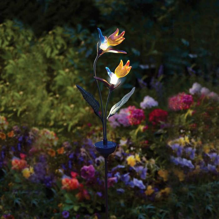 solar gartenleuchten zarte blumen leuchten