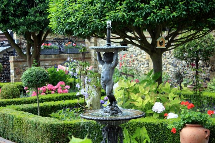 gartenbrunnen zierbrunnen statue